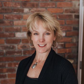Amy Zander headshot, western MA animal hospital, springfield MA animal hospital