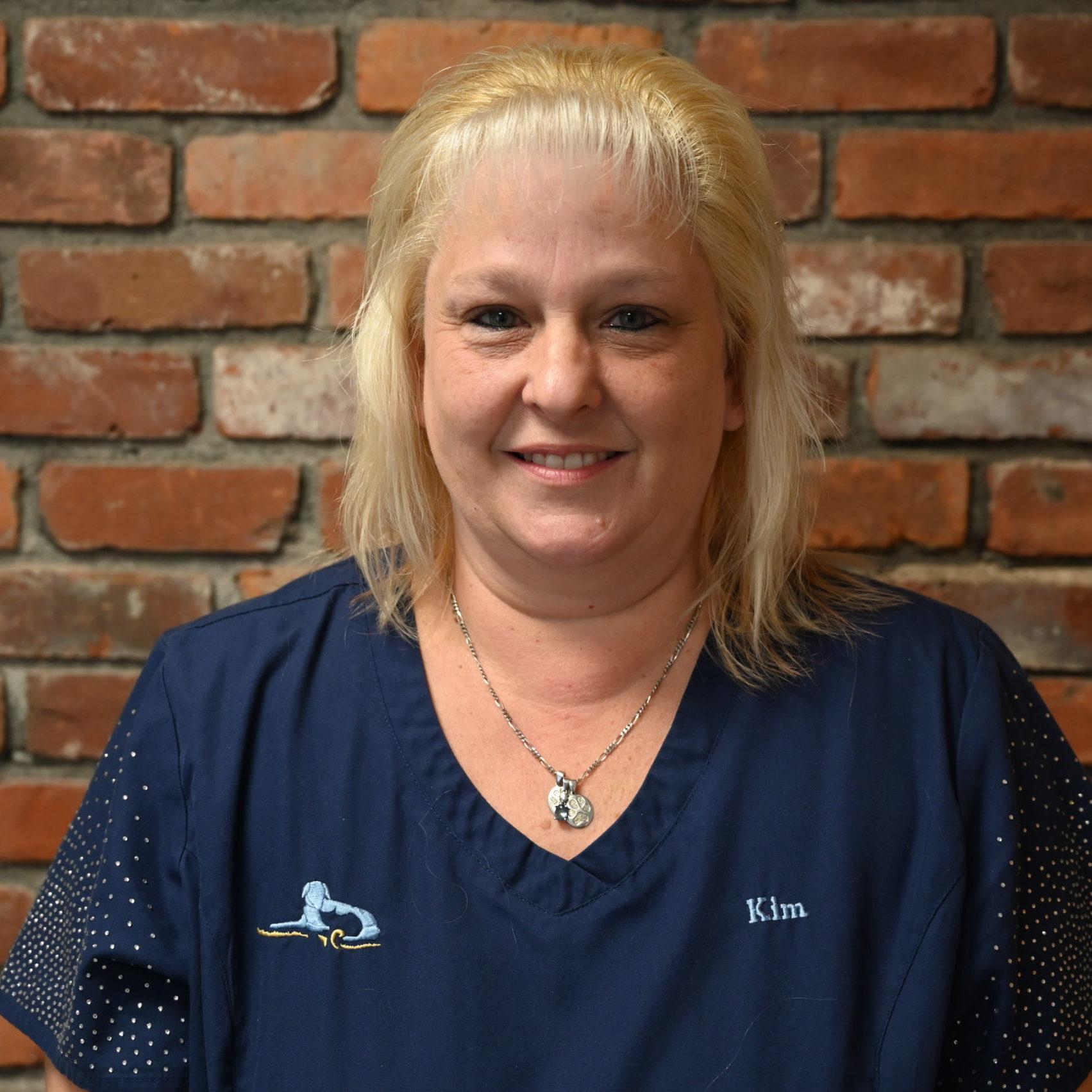 Kim headshot, veterinary hospital, western MA veterinarian, veterinarian springfield MA