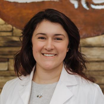 Leah Guidry headshot, Leah Guidry veterinarian, western MA veterinarian, veterinarian springfield MA
