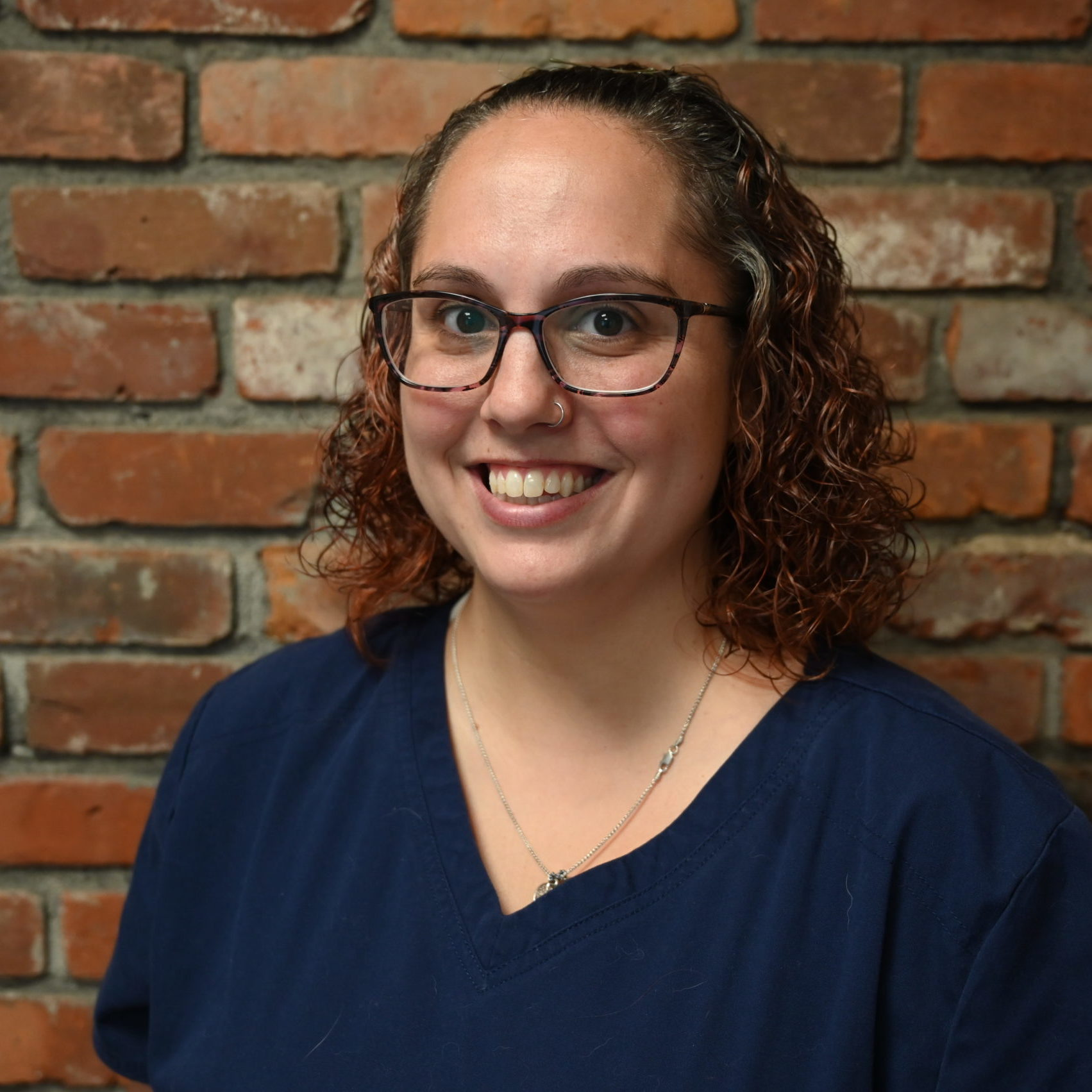 Sarah Leblanc headshot, veterinary hospital, western MA veterinarian, veterinarian springfield MA